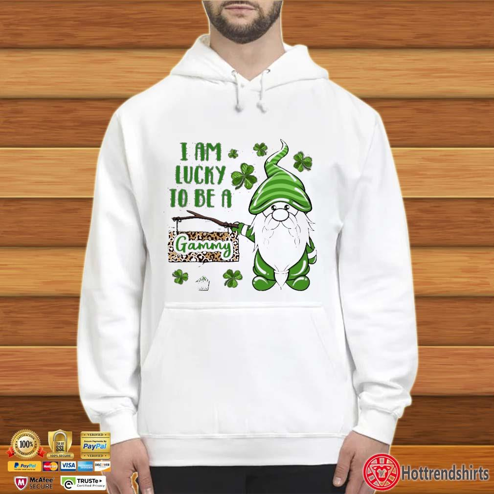 St Patrick Gnomes I Am Lucky To Be A Gammy Shirt Hoodie trắng